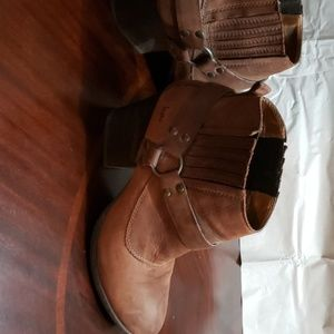 B.o.c. brown suede boots